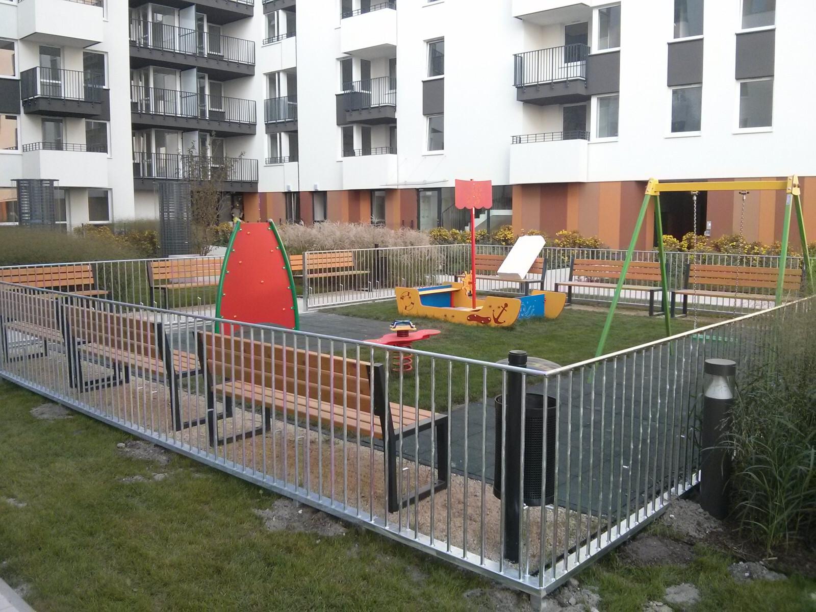 Plac zabaw przy inwestycji Orlińskiego 6 w Krakowie