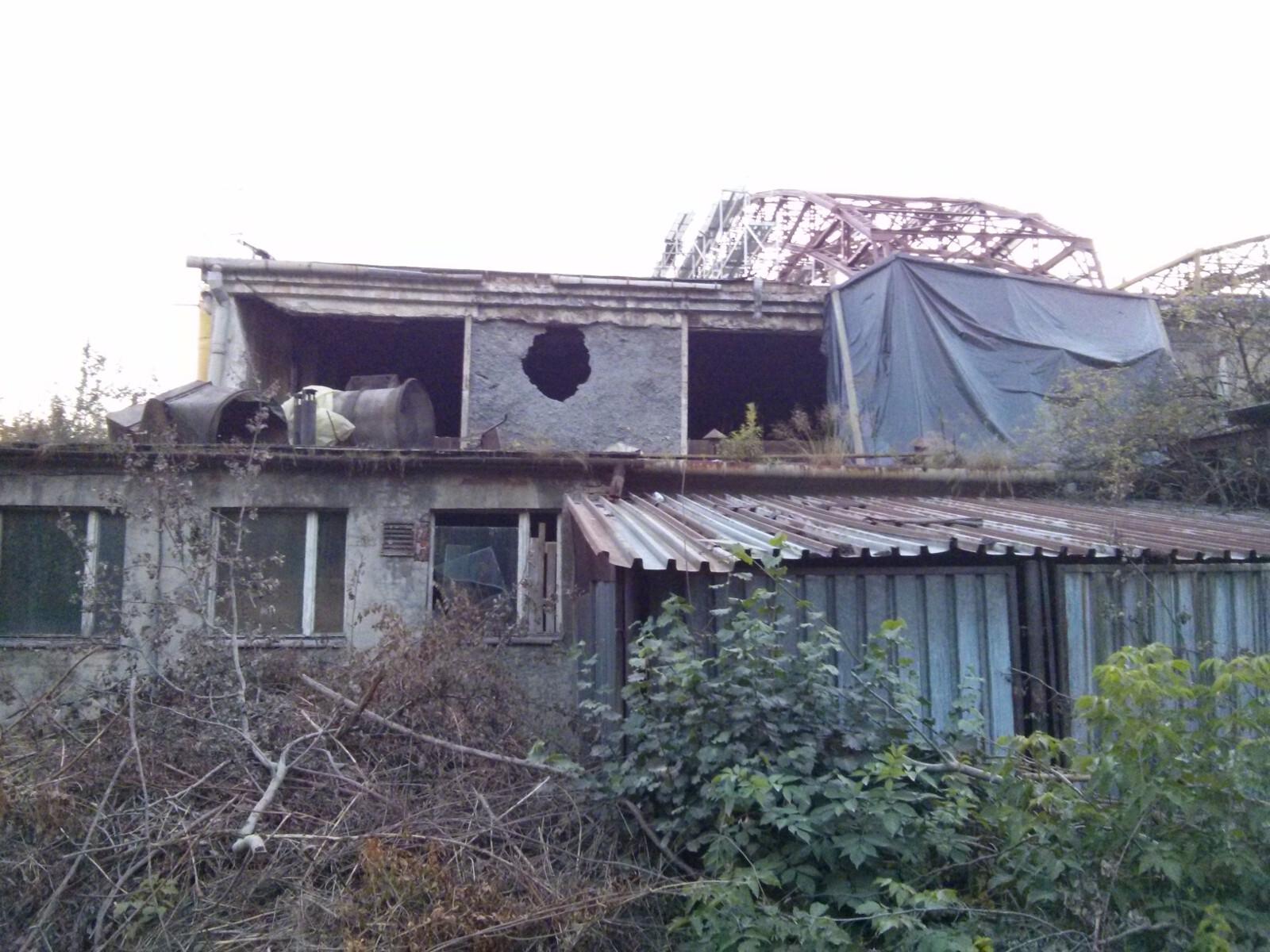 Zniszczony zabytkowy hangar lotniczy w Krakowie Czyżynach