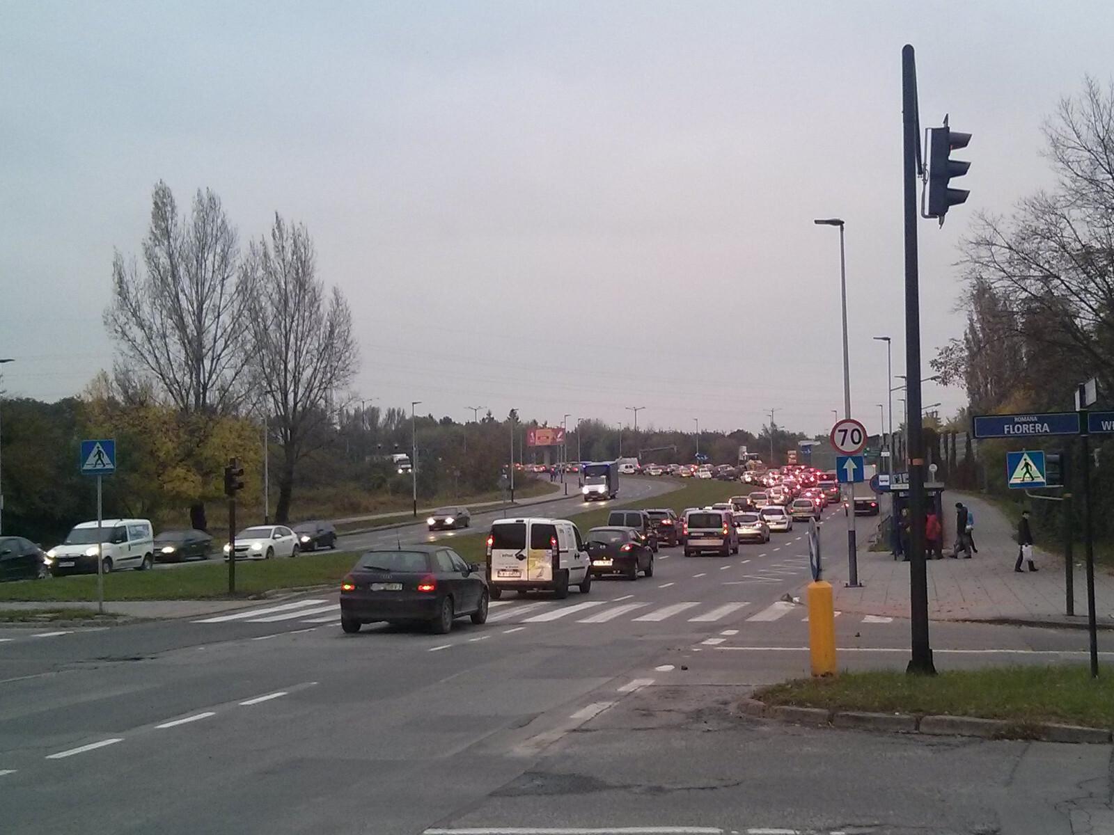 Korek na ulicy Stella-Sawickiego w Krakowie Czyżynach