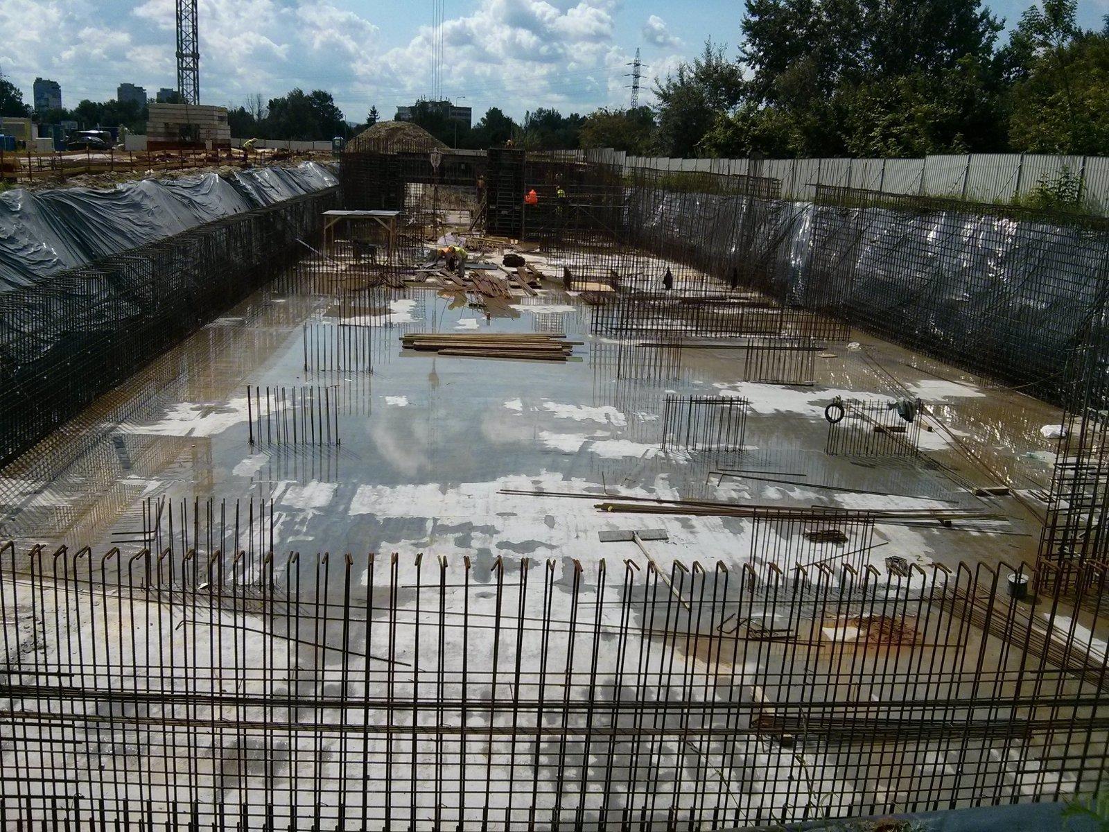 Budowa bloków przy Orlińskiego w Czyżynach