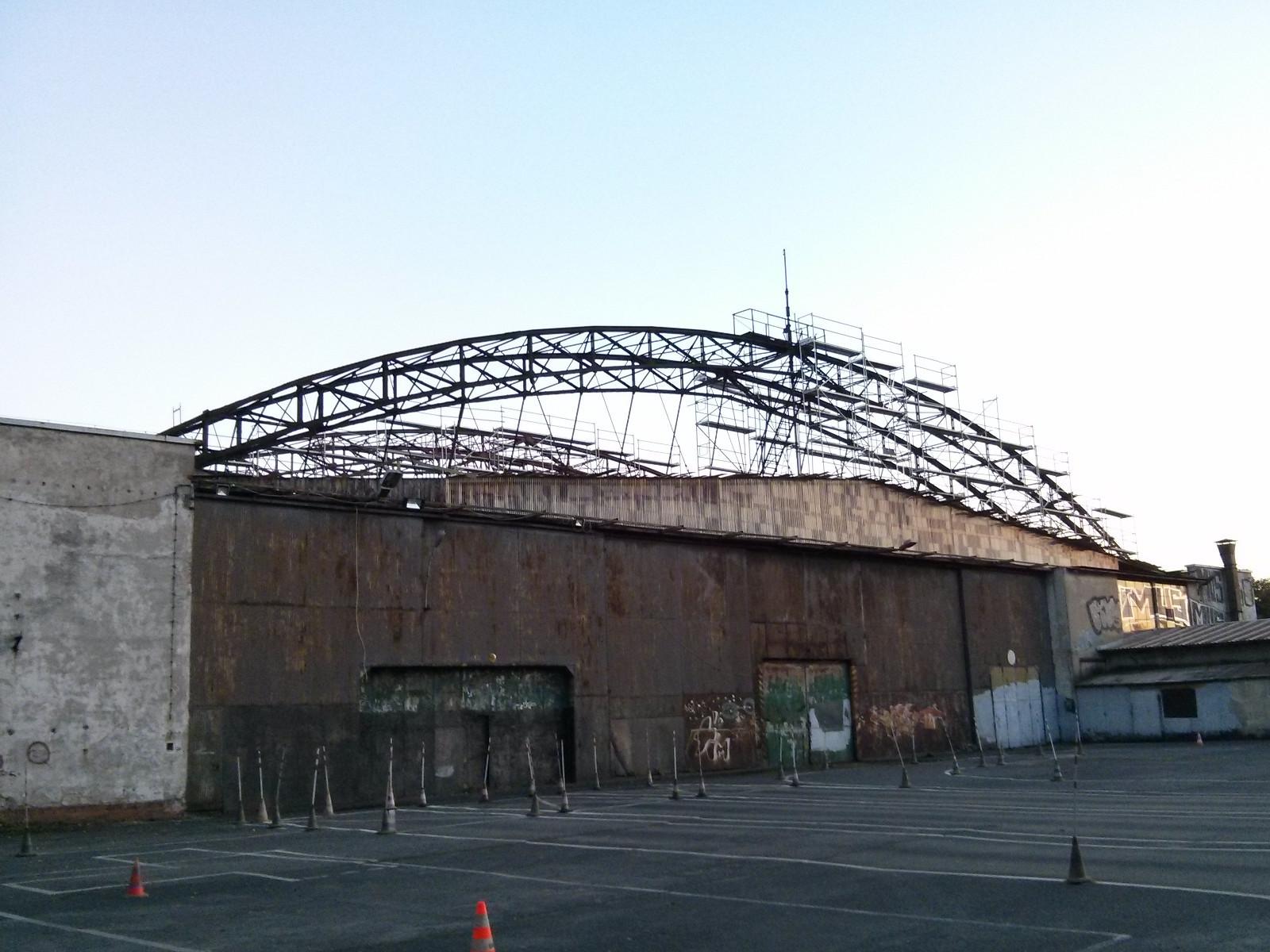 Hangar po dawnym lotnisku w Czyżynach należący do Muzeum Inżynierii Miejskiej w Krakowie
