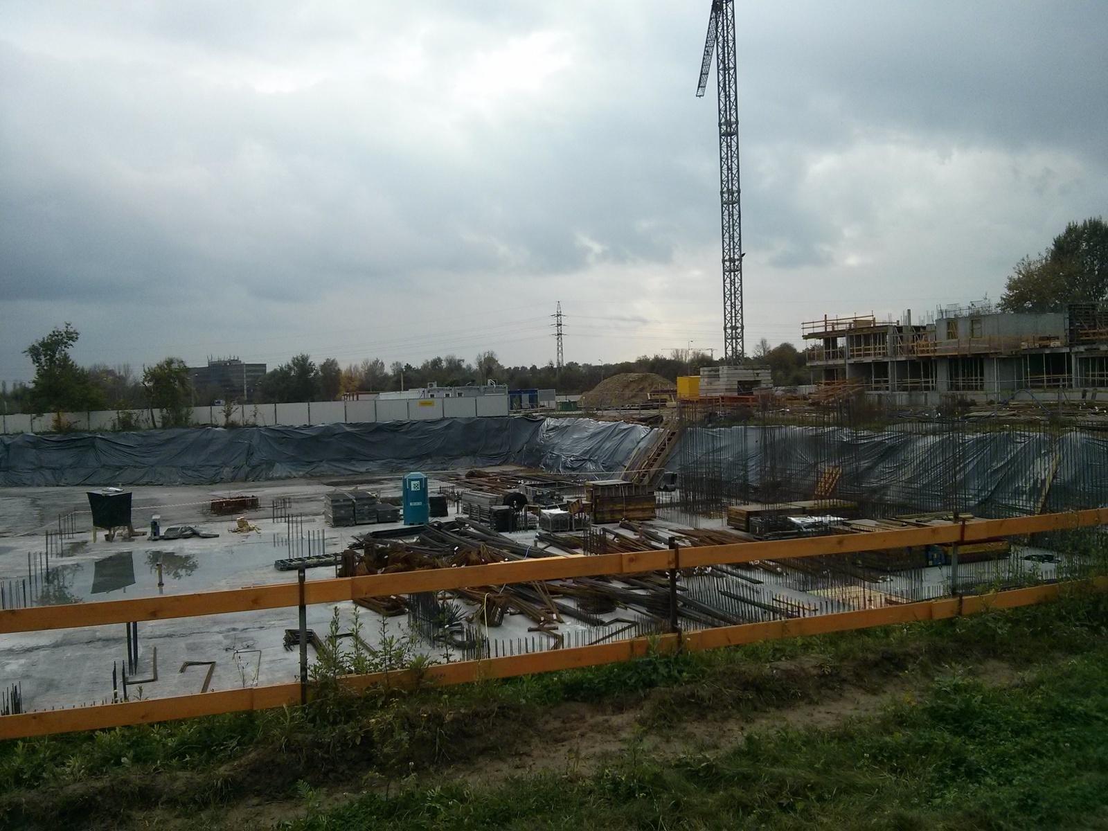 Wykop na Orlińskiego 6 w nowych Czyżynach w Krakowie