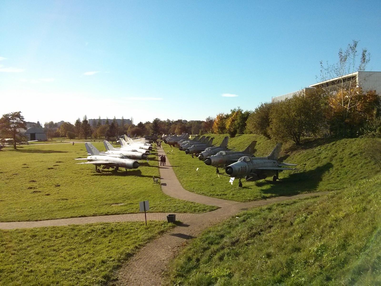 Samoloty wojskowe w Muzeum Lotnictwa w Czyżynach