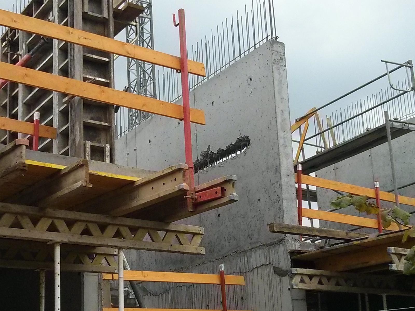 Budowa bloku przy ul Orlińskiego 4 w Czyżynach