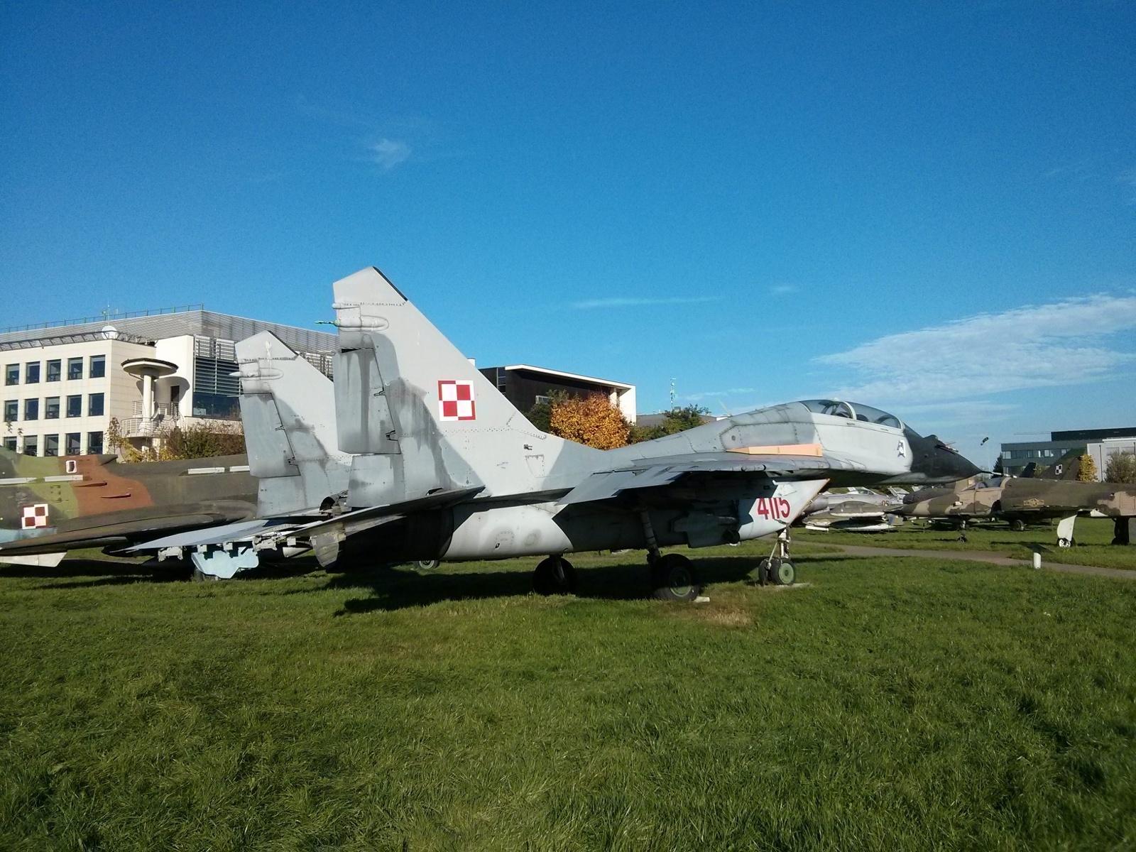 Myśliwiec mig w krakowskim Muzeum Lotnictwa Polskiego w Czyżynach