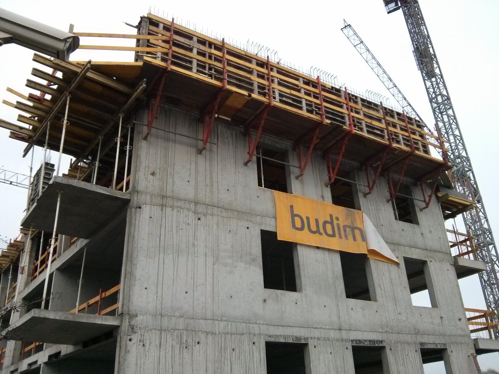Kolejne piętro budowanej inwestycji na Orlińskiego 4