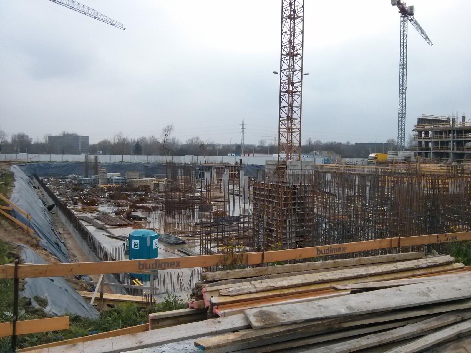 Orlińskiego 6 - prace budowlane prowadzone na poziomie hali garażowej