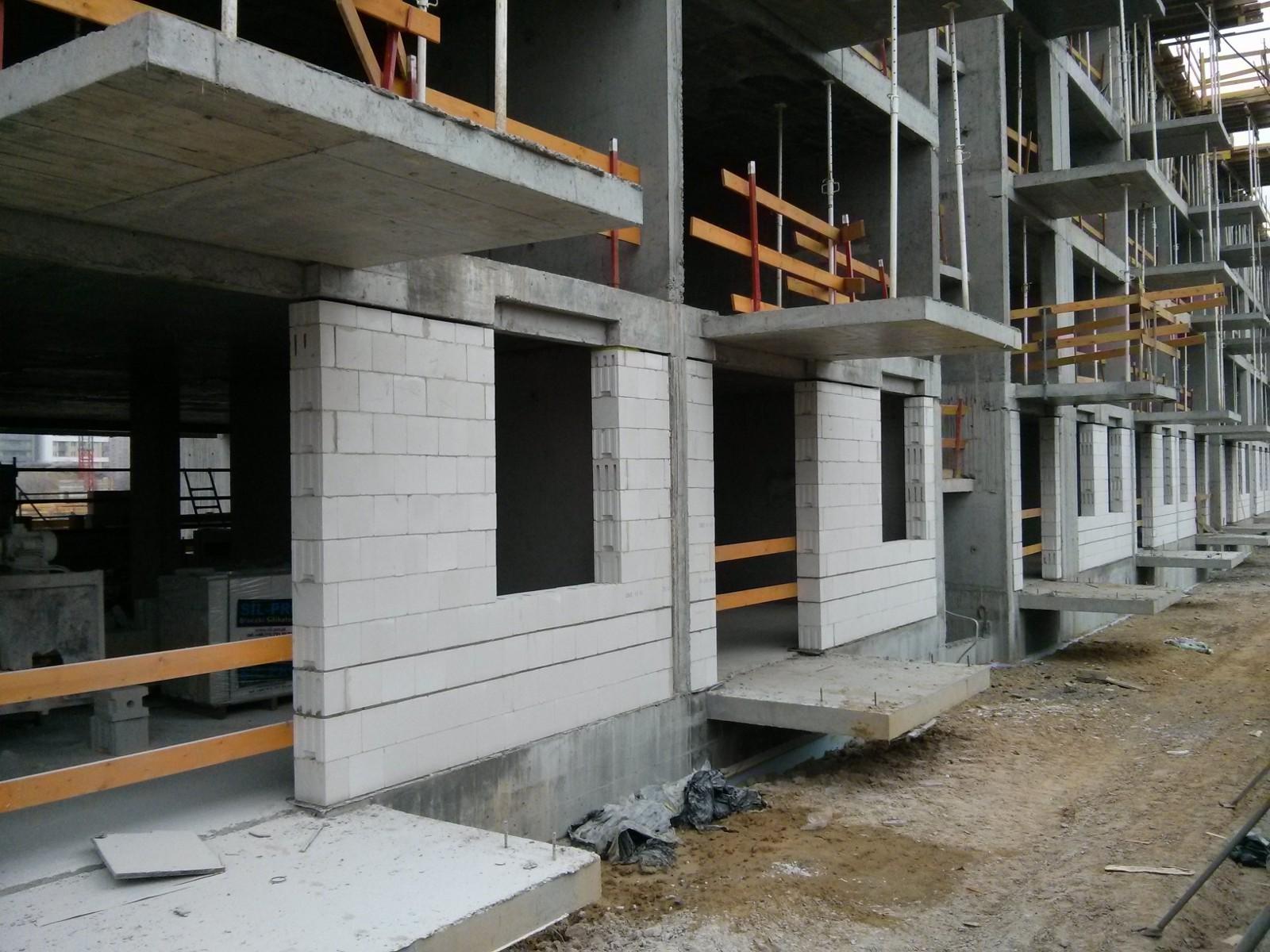 Murowanie ścian zewnętrznych silikatowych w nowych Czyżynach