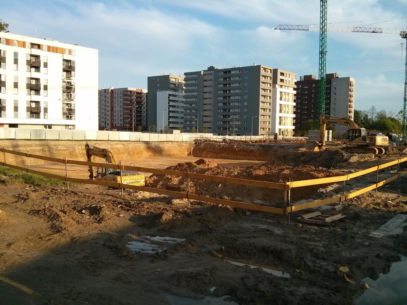 Avia 3 - na miejscu tego wykopu powstaną tanie mieszkania w Krakowie