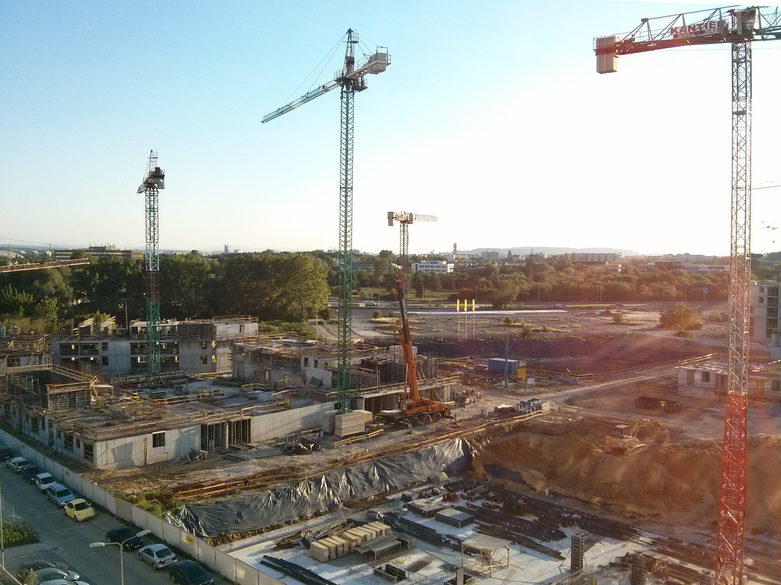 Widok z balkonu na osiedle nowe Czyżyny i Kraków