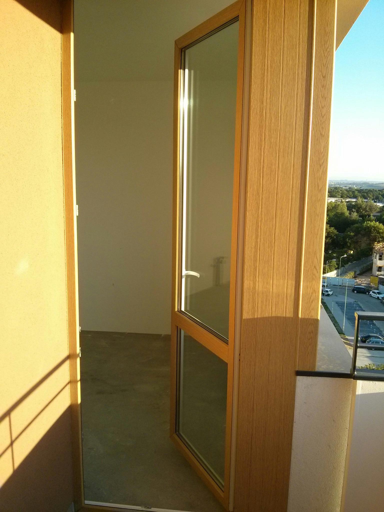 Via 4 - drzwi balkonowe do inwestycji Budimexu