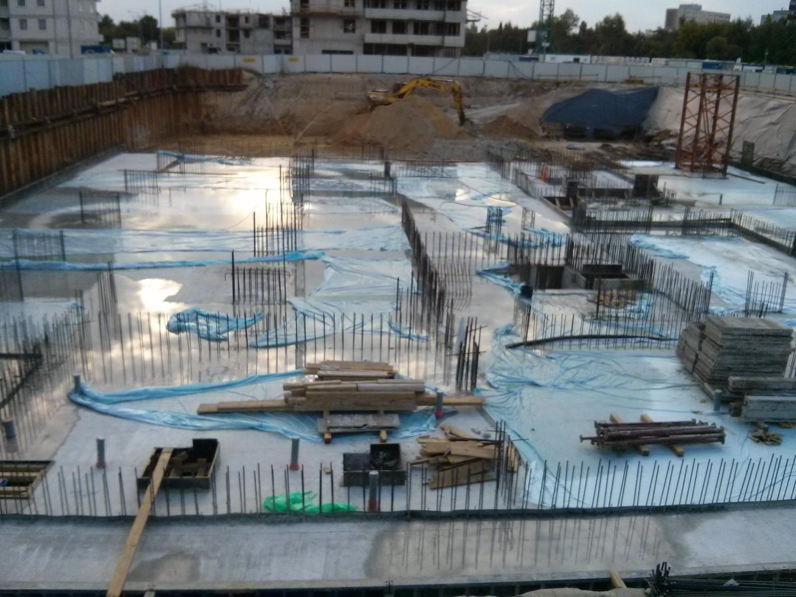 Inwestycja Orlińskiego 3 - zalana betonem płyta fundamentowa