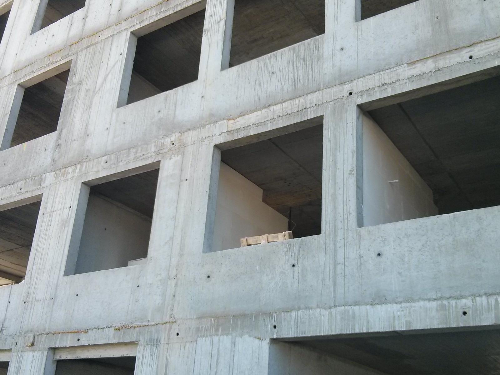 Stawianie ścianek działowych w nowych mieszkaniach w Krakowie na Orlińskiego 6