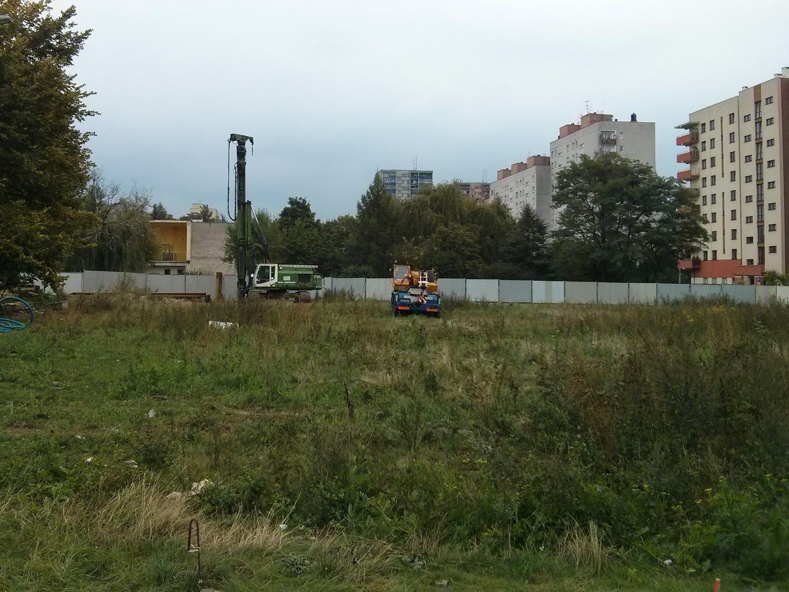 Budimex przygotowuje teren pod budowę osiedla Avia 7