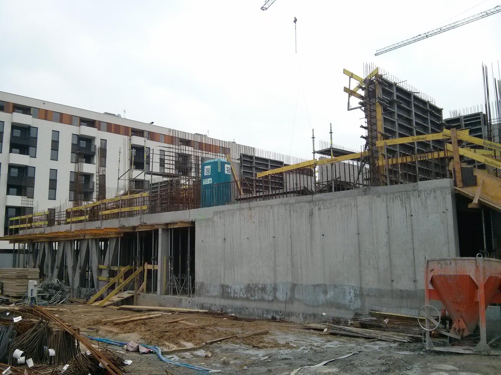 Deweloper stawia nowe tanie mieszkania na Avii 3