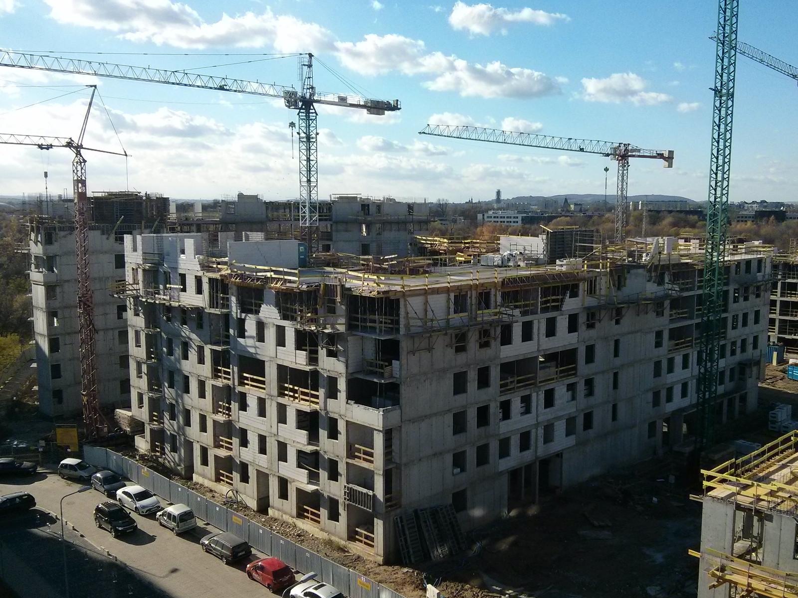 Budowa bloku Avia 5 w nowych Czyżynach przez Budimex