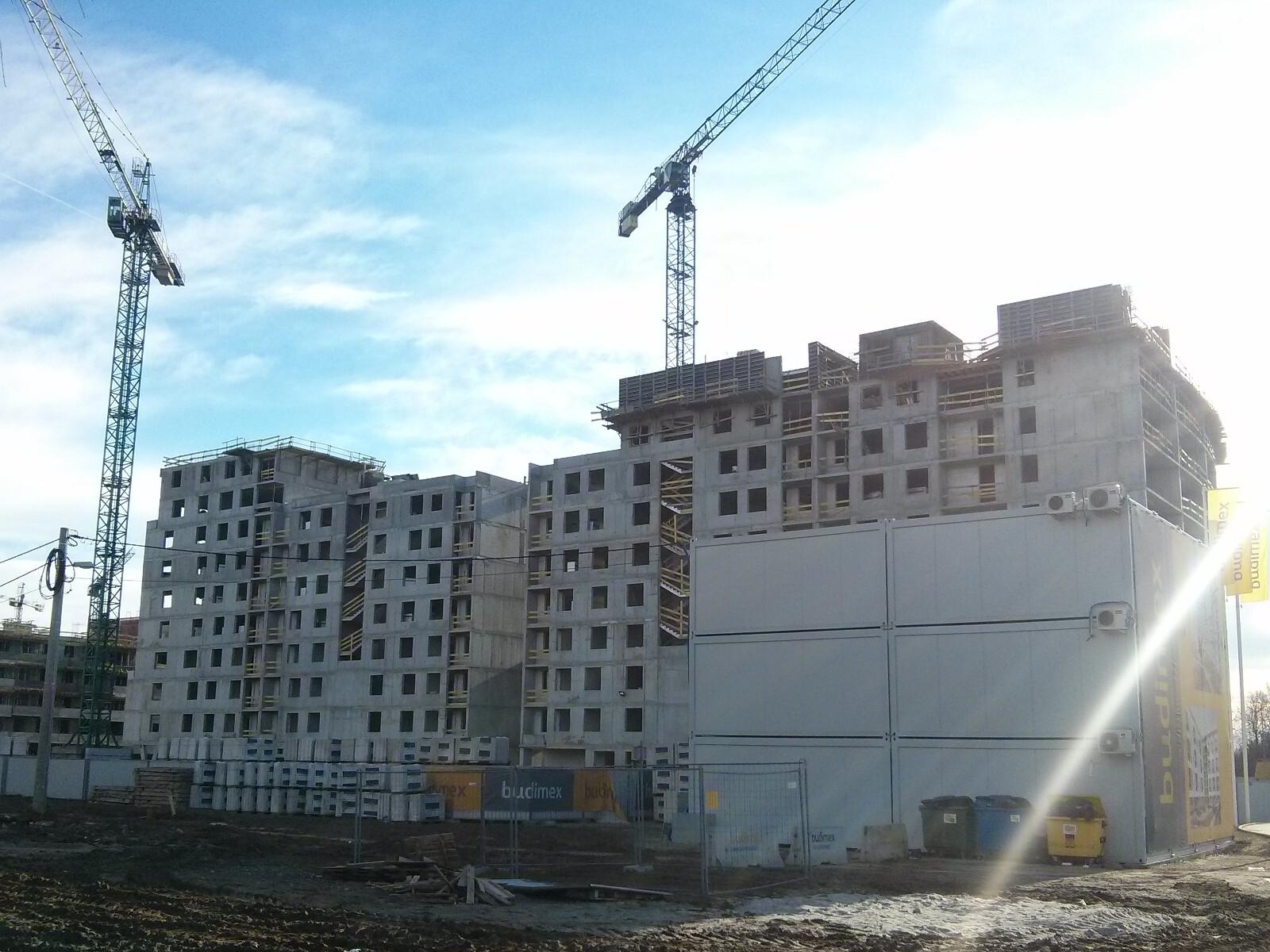 Prace zabezpieczające na inwestycji Orlińskiego 1 w Krakowie