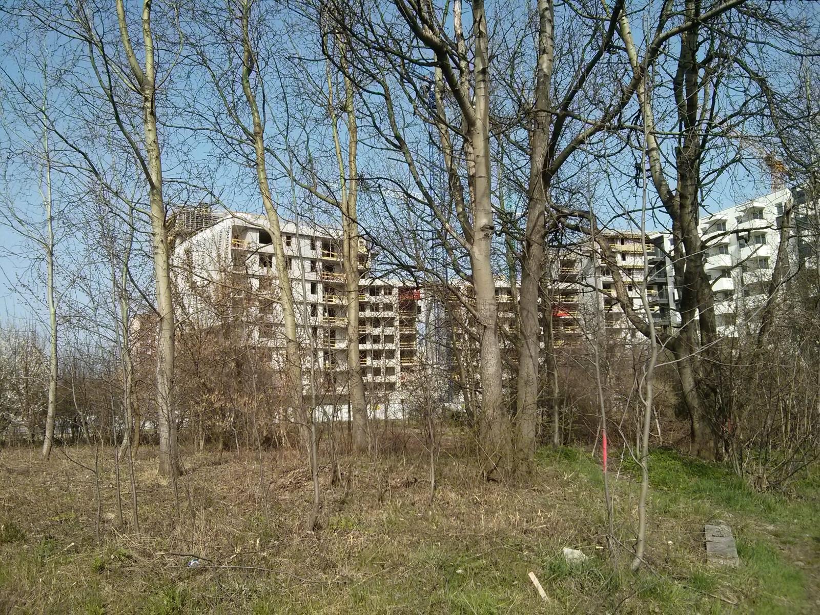 Należąca do miasta działka, na której Budimex chce zrobić park dla mieszkańców